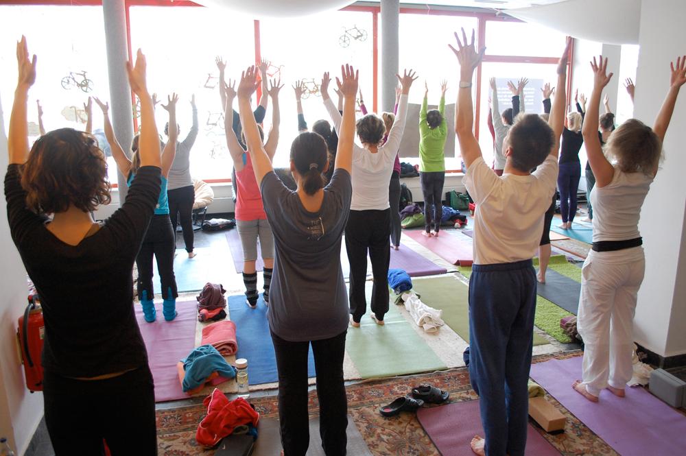 Yoga am Kanal / Foto: Kristina Tschesch